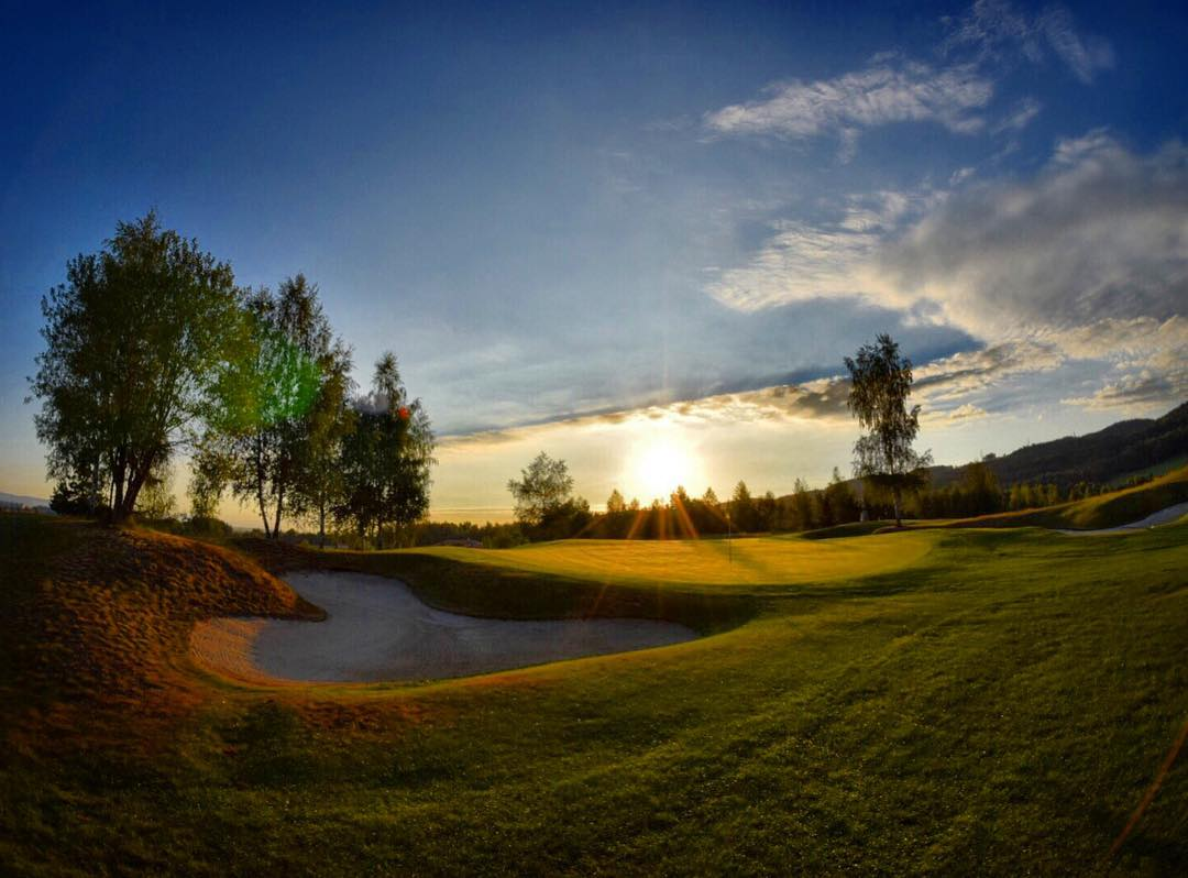 Golfové hřiště Sokolov organizuje golfové turnaje a má skvělé klubové zázemí