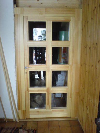 Dřevěné schody, zábradlí, venkovní dřevěné obklady a dveře od firmy BREST Raspenava s.r.o. z Chrastavy