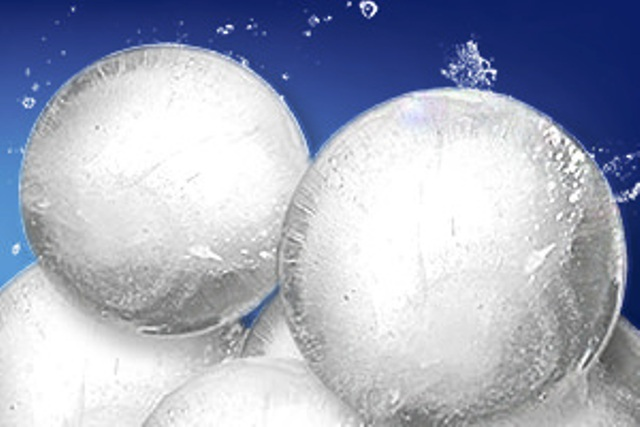Balený led, ledová tříšť a koule - rozvoz ledových kostek do restaurací, kaváren a barů