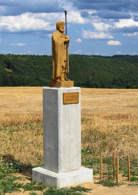 Obec Všetaty v těsné blízkosti CHKO Křivoklátsko vyniká nedotčenou krajinou