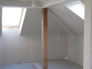 Stavby bytových a rodinných domů a komerčních objektů - stavební práce od základů až po střechu