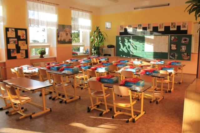 Základní škola Dubí 2 s bohatou historií a výběrem vzdělávacích, kulturních a sportovních aktivit.