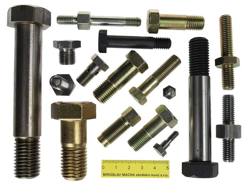 Drehen und Bearbeitung von Metallteilen auf CNC Maschinen Tschechien