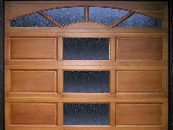 Sekční garážová vrata otvíravá - zateplená, nezateplená
