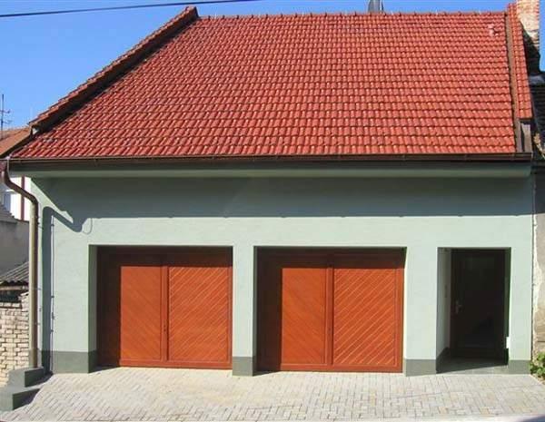 garážová vrata otvíravá