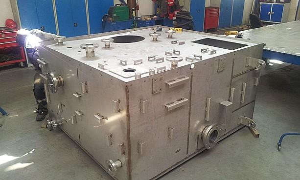 Výroba nádrží, násypek, zásobníků, cyklonů, AXIS a.s.