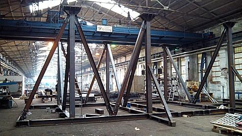 Výroba ocelových konstrukcí, obslužných plošin, dopravníkových systémů, AXIS a.s., Hradec Králové