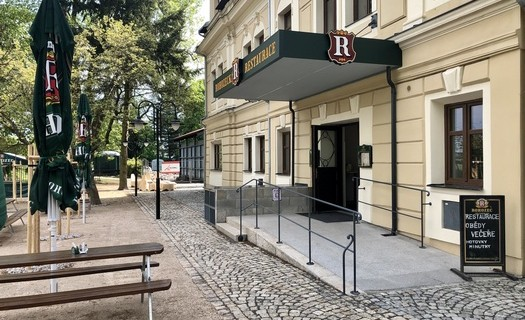 Přijďte si posedět k nám do restaurace v historickém stylu a ochutnat chuť tankového piva