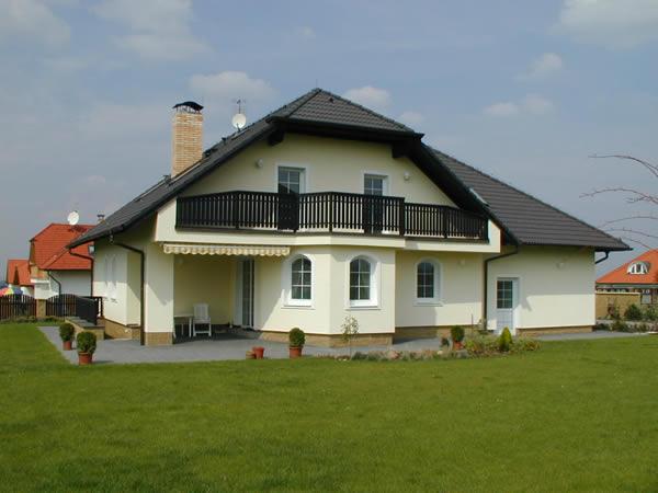 Zateplování fasád a střešního pláště domů