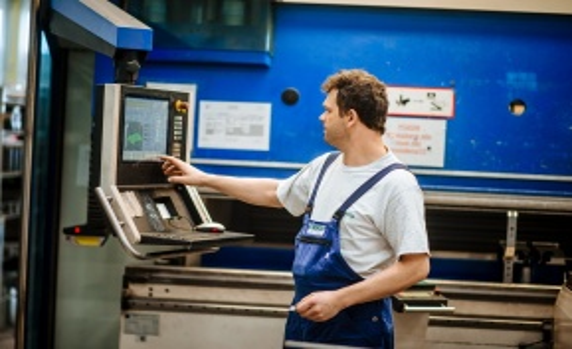 Plechová výroba, ohraňování CNC, svařování, řezání laserem