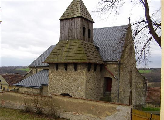 Obec Kropáčova Vrutice ve Středočeském kraji v okrese Mladá Boleslav