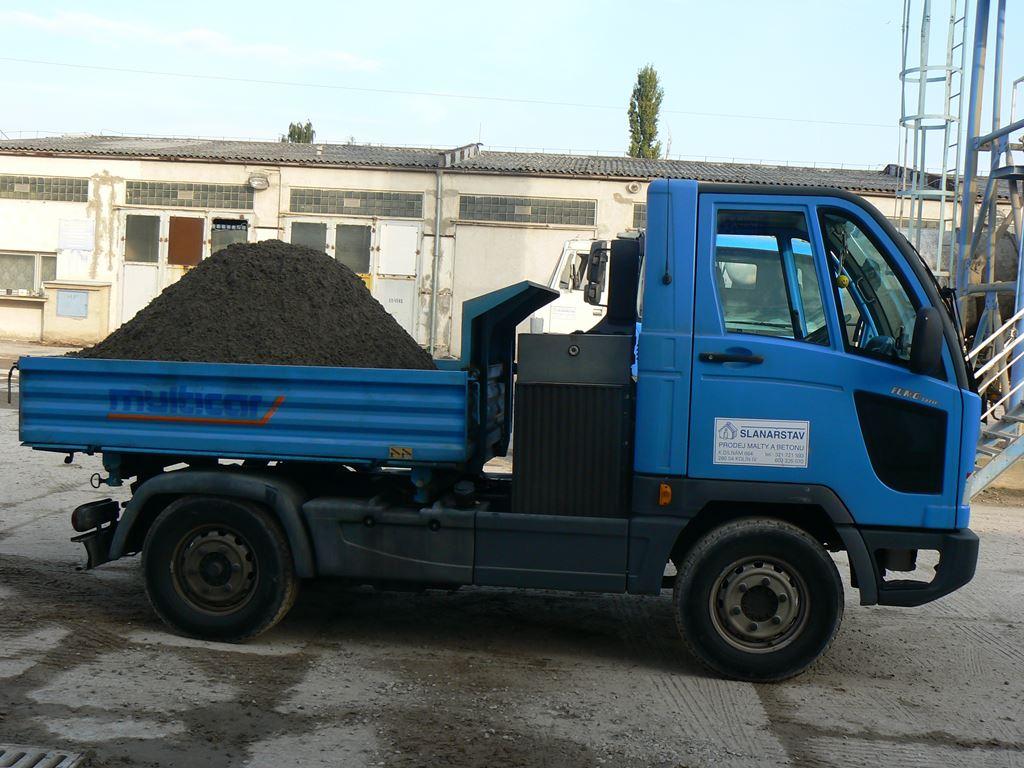 Betonárna Kolín  - rozvoz malty a betonu až na místo určení