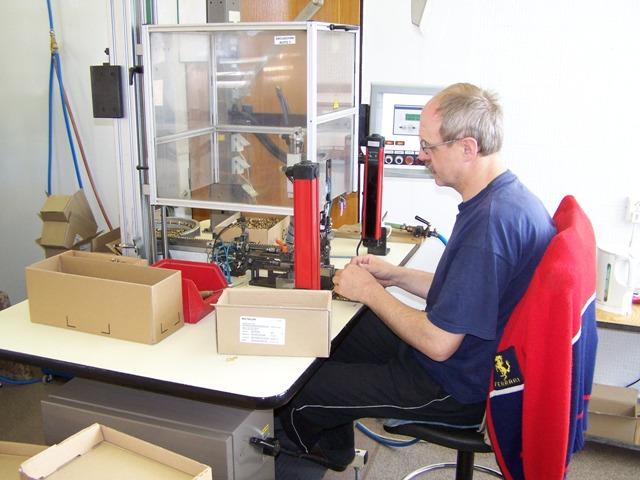 Montáž elektrotechnických a elektronických součástí