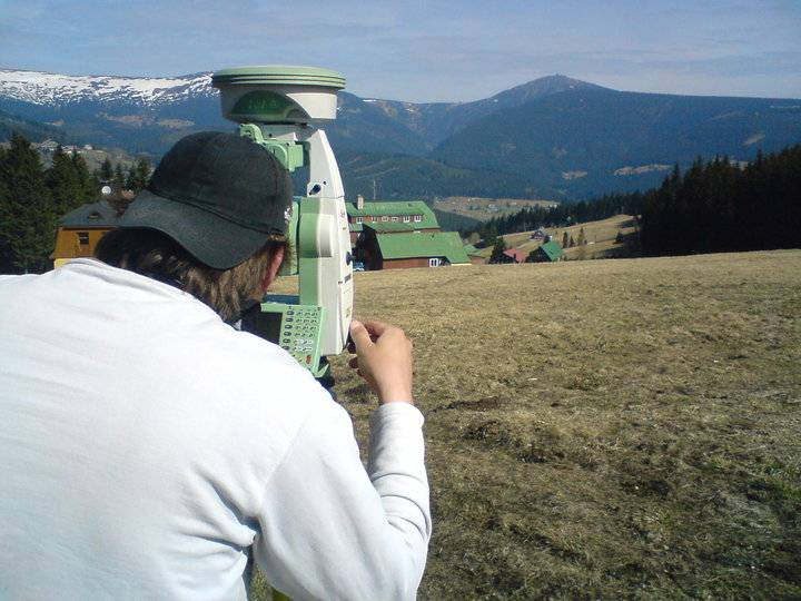 Spolehlivé zaměření polohopisu a výškopisu  Hradec Králové