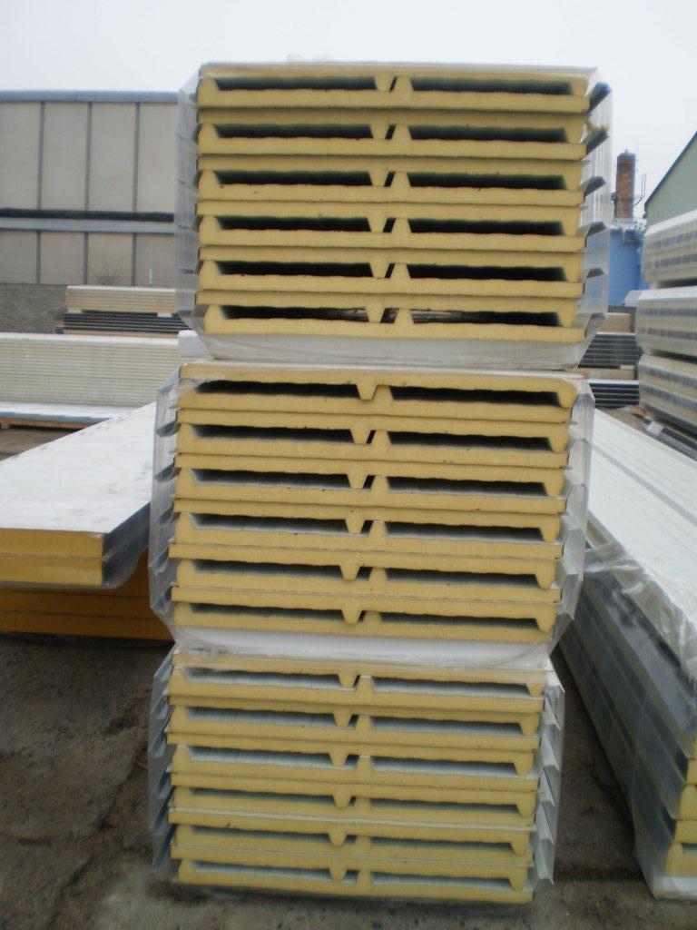 Sendvičové PUR panely  bílé a stříbrné tloušťka 40 mm
