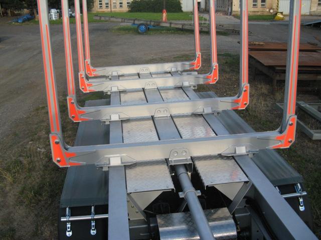 Výroba montáž servis návěsů přívěsů plošin nástaveb Hořice