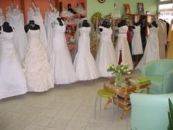 Svatební, společenské šaty, půjčovna Olomouc
