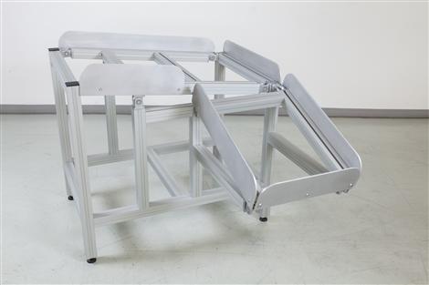 Hliníkové profily a spojovací materiál LIPRO k výrobě regálů, prodejních stánků