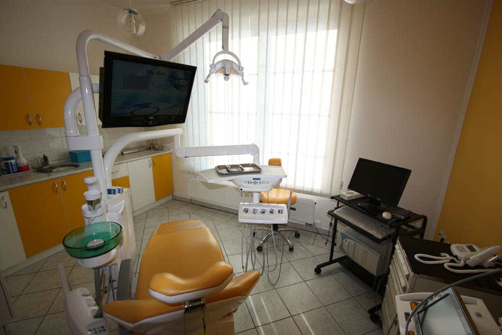 Bezbolestné odstranění zubního kazu pomocí laseru Hradec, Praha