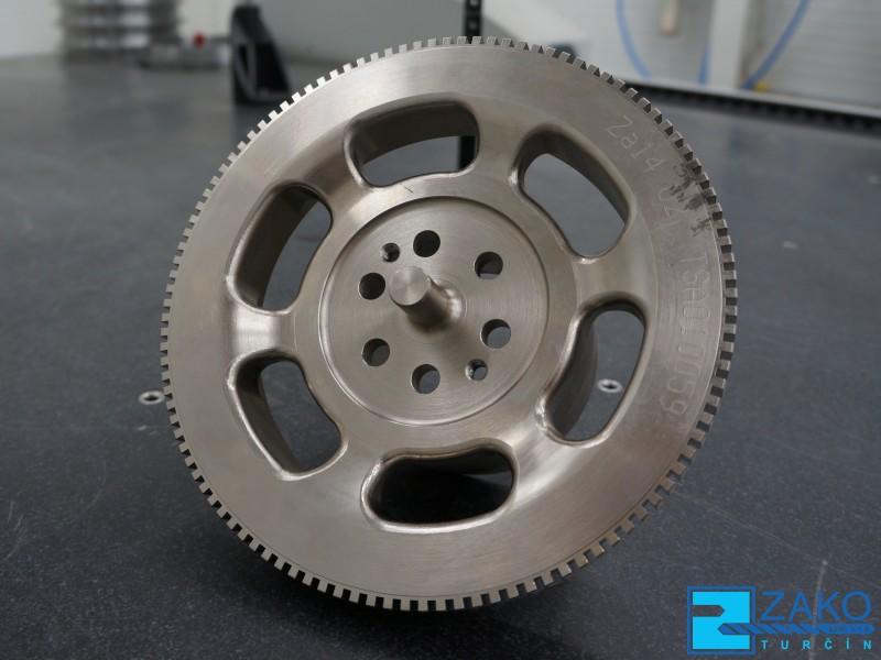 Strojírenská výroba - zakázková kovovýroba obráběných, zámečnických dílů