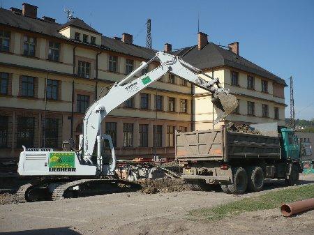 Stavební práce, stavby, zemní práce, výkopy Česká Třebová.