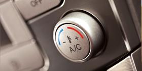 O kvalitní servis, plnění i dezinfekci klimatizace vašeho vozu se vám postará Pneuservis Fiala