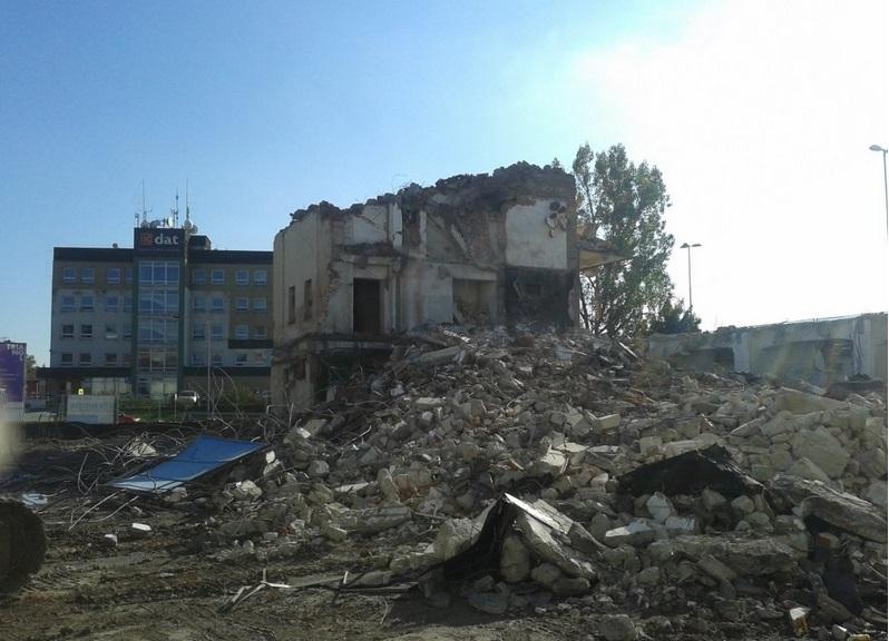 demoliční práce včetně odvozu suti