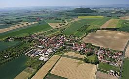 Kostomlaty pod Řípem leží v Ústeckém kraji v okrese Litoměřice