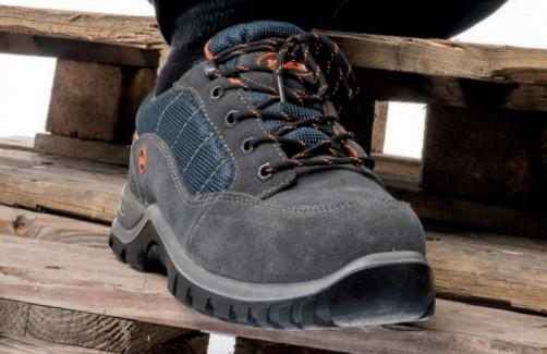 Prodej pracovní obuvi - vhodná i na volný čas