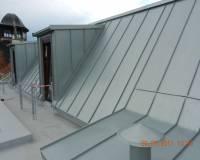Stavební práce okolo střech