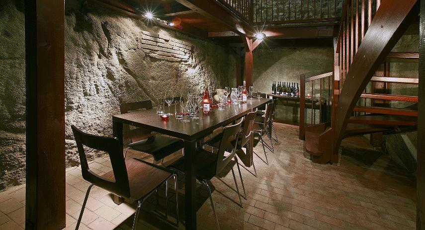 Hotel, restaurace, vinařství LAHOFER s.r.o. v centru Znojma