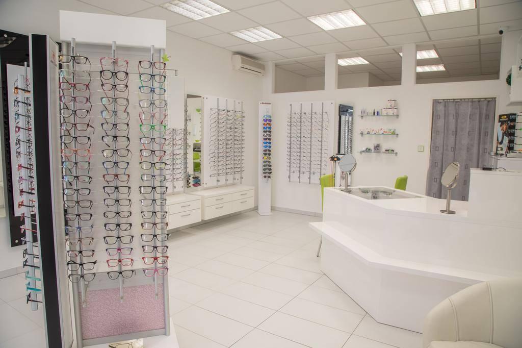 Oční optika Lesa zhotoví dioptrické brýle rychle, dle přání zákazníka
