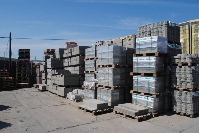 Sleva ve stavebninách na betonové výrobky - dlažby, zdící tvarovky, obrubníky