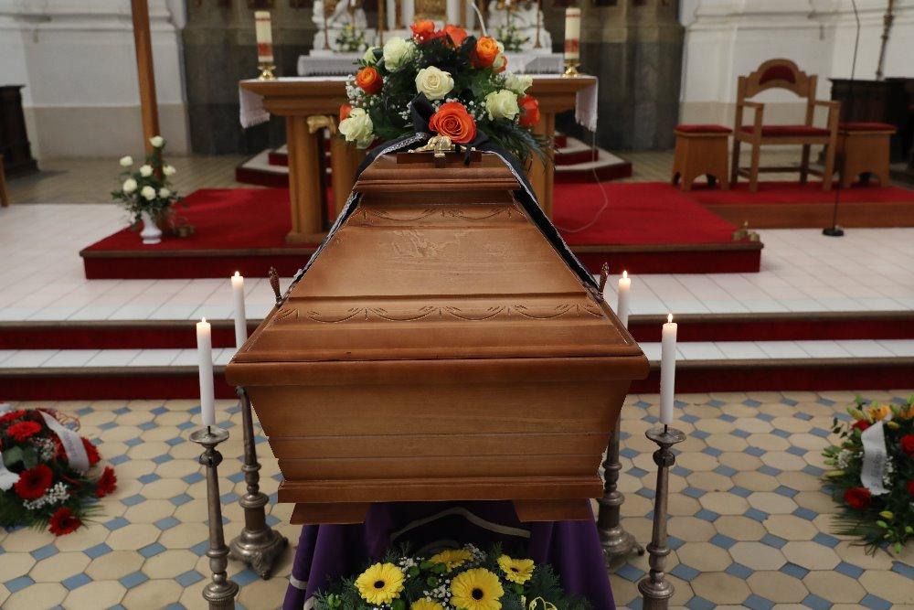 pohřeb v kostele - Kroměříž a okolí