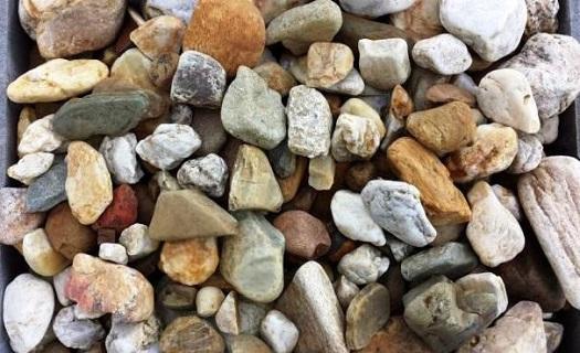Okrasný štěrk a kámen na zahradu - okrasné kamenivo, drť, kvalitní materiál