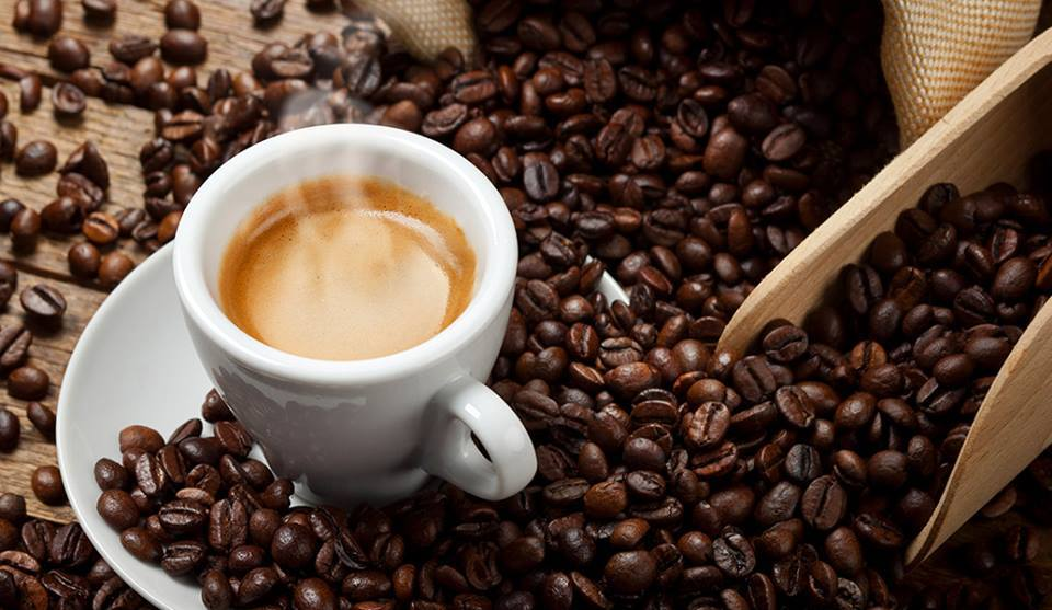 Čerstvá káva z pražírny - zrnková, mletá káva špičkové kvality