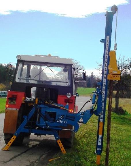 Zatloukače kůlů také s teleskopickým vysouváním sloupu