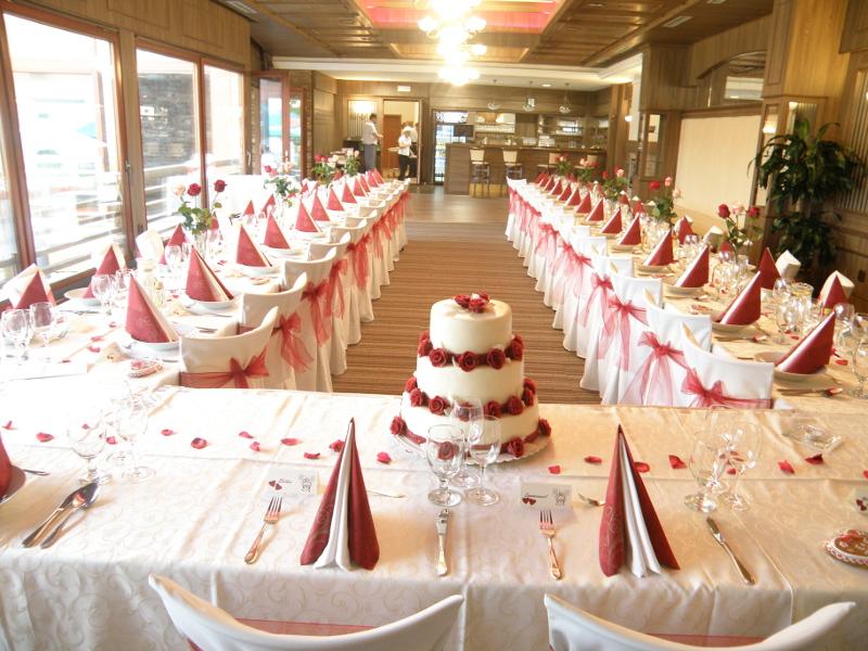 Svatební hostina na zámku Valeč, Vysočina, Třebíč