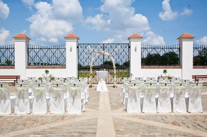 Svatební obřad na zámku Valeč, Vysočina, Třebíč