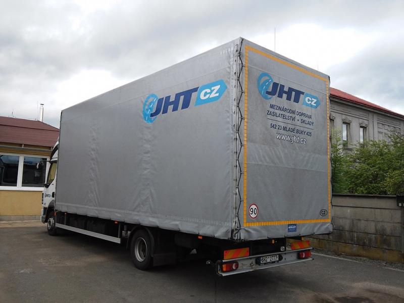 Kamionová nákladní doprava včetně nebezpečných nákladů