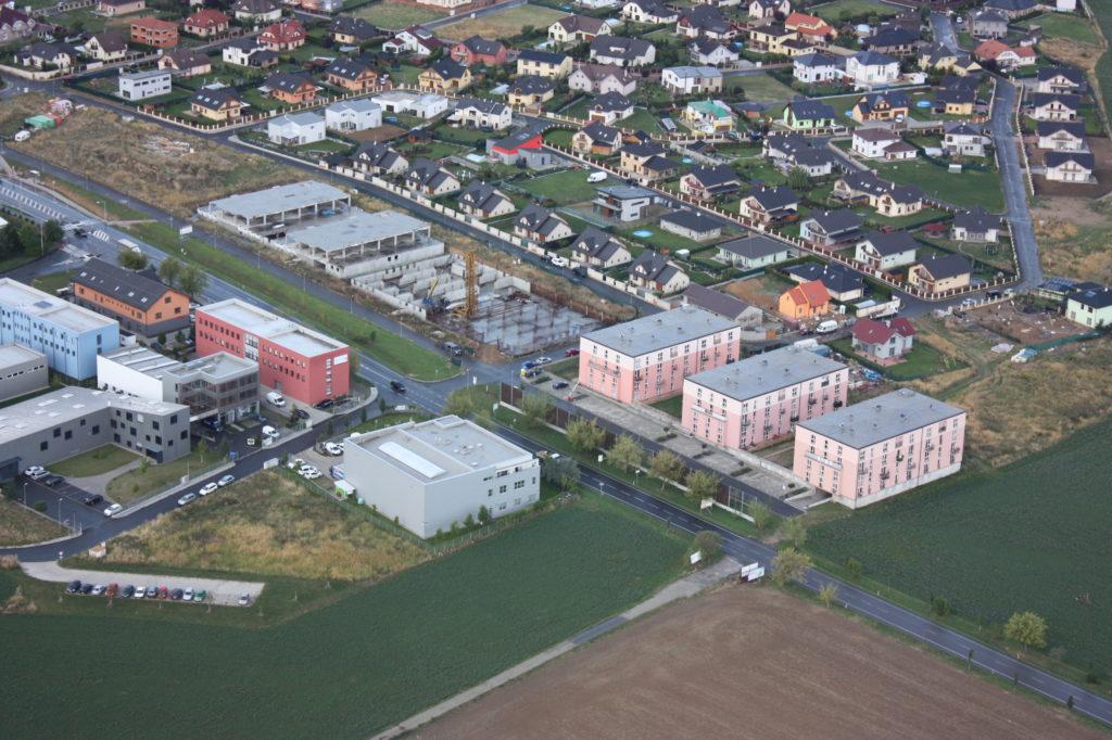 Stavby bytových domů a komerčních prostor od projektu až po kolaudaci