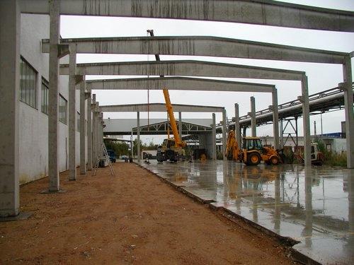 Výstavba průmyslových betonových hal včetně dodávky a montáže