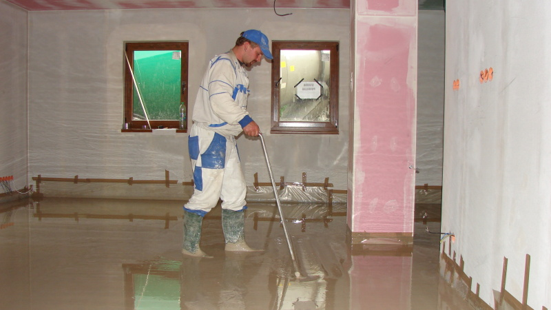 Spolehlivé podlahové topení co rozvede teplo do celého domu