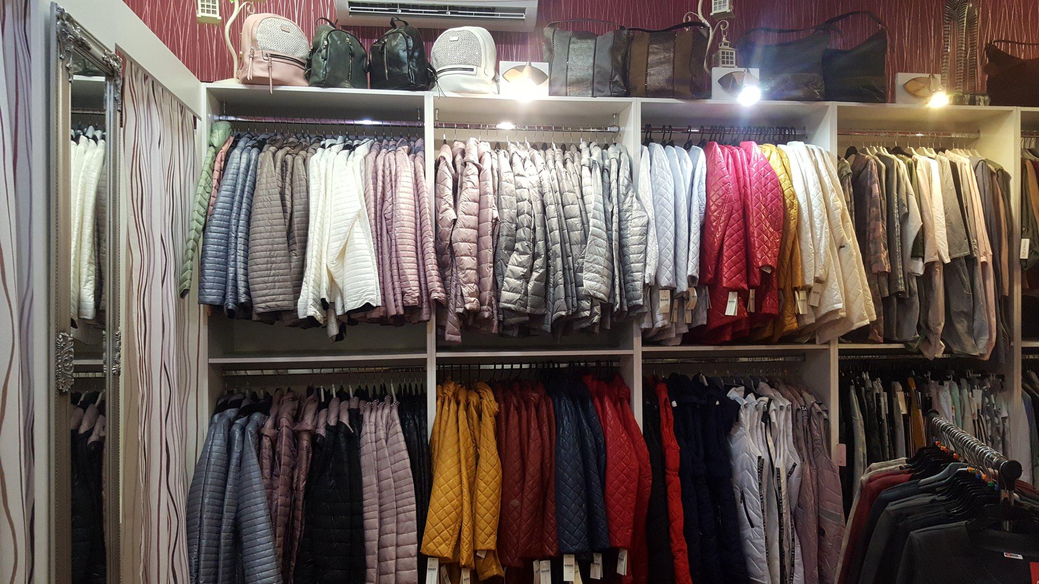 Luxusní butik - oblečení, oděvy za nízké ceny, na štíhlou i plnější postavu