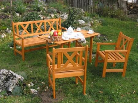 Zahradní hliníkový dřevěný plastový nábytek  houpačky Kolín Praha