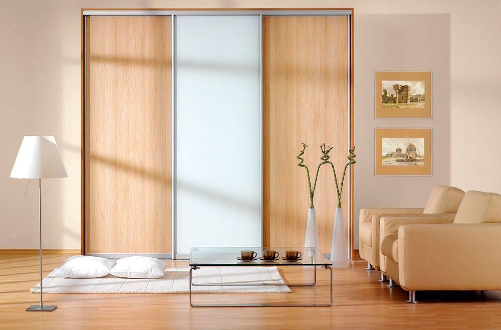 Vestavěné skříně na míru s posuvnými dveřmi Zlín
