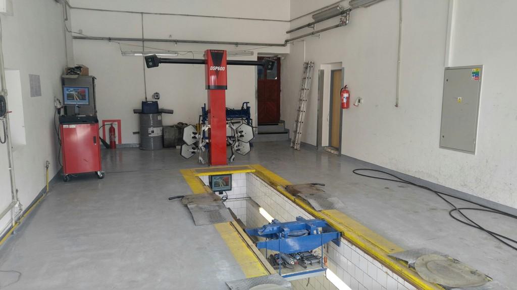 Měření, seřízení nápravy podvozku vozidla pomocí přesného elektronického zařízení