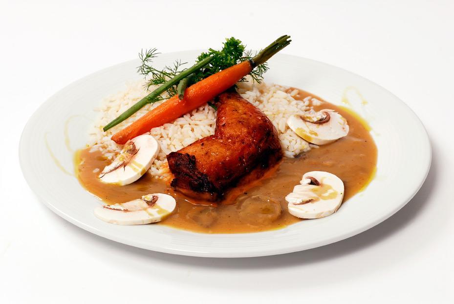 Výroba teplých pokrmů, teplé stravy pro zaměstnance firem, domácnosti