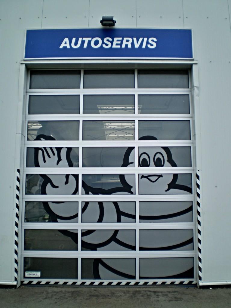 Vrata autoservisu