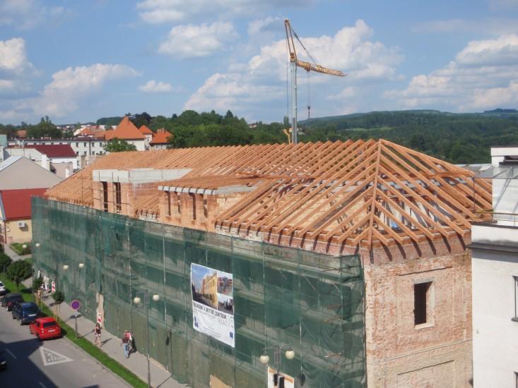 Komplexní realizace rekonstrukce střechy šikmé ploché Náchod